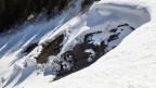 Der Weisse Tod konnte einem auch in der eigenen Stube ereilen. Dank Bannwald und Lawinenverbauungen ist dies heute aber selten geworden. Ein Bild eines Schneebretts.
