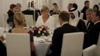 Angela Merkel und weitere deutsche Politiker dinnieren mit dem Emir von Katar