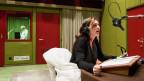Charlotte Schwab als Hedwig bei den Aufnahmen. Im Hintergrund Ueli Jäggi als Hunkeler.