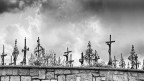 (Symbolbild ländlicher Friedhof)