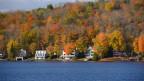 Schauplatz des Hörspiels: Abgelegene Häuser in Vermont.