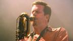 Ken Vandermark spielt Saxophon.