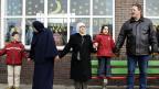 Nach dem Attentat an Theo van Gogh wurde ihre muslimische Schule in Eindhoven Ziel eines Anschlags, November 2004.