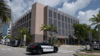 Fifa-Gebäude in Miami, USA: Die Polizei fährt vor.
