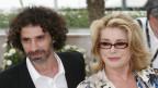Rabih Mroué mit Catherine Deneuve 2008 bei den Filmfestspielen in Cannes