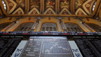 Anzeigetafel in der Madrider Börse: Der Altar der Ökonomie.