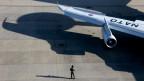 Wirkungsvoller Schutz? Ein Nato-Flugzeug startet zu einer Trainigs-Mission in die Ukraine.