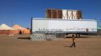 Improvisierte Leinwand inmitten der Wüste: am Festival FiSahara.