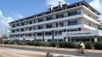 Ohne Krankenkasse nicht bezahlbar: Eine Behandlung im Aga Khan Spital in Tansanias grösster Stadt Daressalam.