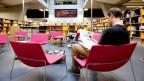 In der digitaliserten Bibliothek fällt die Begegnung weg: Studenten in der Von-Roll-Bibliothek der Uni Bern.