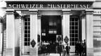 Der Eingang zur ersten Schweizer Mustermesse im Stadtcasino Basel im Jahr 1917.