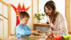Nach Jesper Juul macht Erziehung Kinder zu Objekten. Er plädiert für Führung und Gleichwürdigkeit.