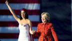 Sängerin Katy Perry mit Präsidentschaftskandidatin Hillary Clinton.