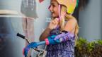Pionierarbeit in den USA: Das Mädchen trägt eine gedruckte Armprothese.