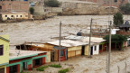Häuser die in der Flut fast untergehen