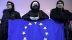 Eine Strömung der Demonstranten sind junge Menschen, die sich an Europa orientieren.