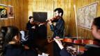 Ein Violimist aus Indiana unterrichtet Studenten am «Afghanistan National Institute of Musik».