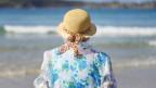 Warum gehen vor allem die Frauen in späten Jahren?