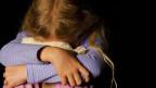Frauen und Kinder, welche der erzkonservativen Moral in Irland nicht entsprachen, wurden weggesprerrt, geschlagen oder sexuell missbraucht.