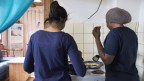 Mädchen in einer Wohngruppe für unbegleitete minderjährige Asylsuchende in Moosseedorf