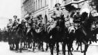 Soldaten in St. Petersburg im Mai 1917