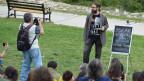 Aus politischen Gründen entlassen: Can Irmak Ozinanir hält seine Vorlesungen jetzt in einem Park in Ankara