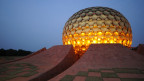 Erinnert an einen Golfball: Der Matrimandir im Zentrum der Stadt dient als Ort der Meditation und Kontemplation.