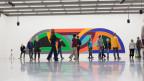 """Das Projekt «Looping Journey"""" zeigt drei Laienchöre in den Ausstellungsräumen des Kunstmuseums Basel."""
