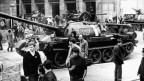 Sowjetischer Panzer in Prag am 21. August 1986, dem ersten Tag der Okkupation