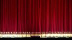 Geschlossener Theatervorhang