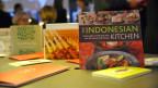 Kochbücher aus Indonesien auf einem messestand