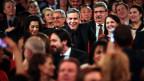 George Clooney in der Menschenmenge.