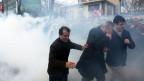 Bilder von der Räumung der Redaktion der Zeitung Zaman.