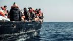 Rettungsaktion der Hilfsorganisation Sea-Watch vor der lybischen Küste
