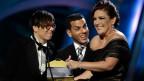 Maria Gadu (links) bei der Grammyverleihung