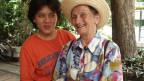 September 2003: Margrit Woodtli (75) ist an Alzheimer erkrankt und lebt sie bei ihrem Sohn Martin in Thailand.
