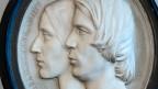 In Wand gemeisseltes Abbild von einem Mann und einer Frau