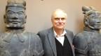 Heinz Berke zwischen zwei Kriegern in Originalblau