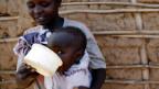 Kein selbstverständliches Kinderglück: In vielen armen Ländern sterben viele Kinder schon vor oder bei der Geburt.