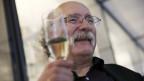 Duncan Haldane feiert nachdem verkündigt wurde, dass er mit dem Nobelpreis 2016 ausgezeichnet wird.