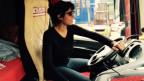 Reena Thelly begleitet LKW-Fahrer Ruedi Bühler.