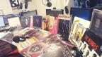 Platten aus DJ Pesas Plattensammlung mit James Brown Coverversionen.