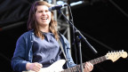 Alex Lahey: Spielte früher Sax, heute Gitarre