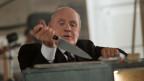 Wenn Alfred Hitchcock (Anthony Hopkins) Küchengeräte in die Hände bekommt, dann wird es in der Regel blutig.