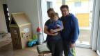 Familie Müller in ihrem neuen Zuhause auf dem Land