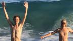 So geht Quarantäne: Erlend Øye und Sebastian Maschat in den Wellen von Mexiko