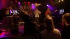 Pedestrians bei ihrem Auftritt am 8x15., der Konzertreihe von SRF Virus