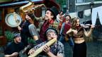 Bunte Bands wie L'Chaim (NL/IT/SYR) mischen mit ihrem Gypsy Circus Klezmer vom 8. – 10. August 2019 die Gassen von Bern auf