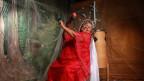Das Energiebündel Dona Onete nahm erst mit 73 Jahren ihr erstes Album auf und strahlt auf der Bühne wie eine brasilianische Sonne.