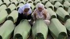eine Gedenkfeier im bosnischen Srebrenica